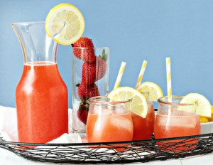 Strawberry-Lemonade-Cocktail-1-of-1