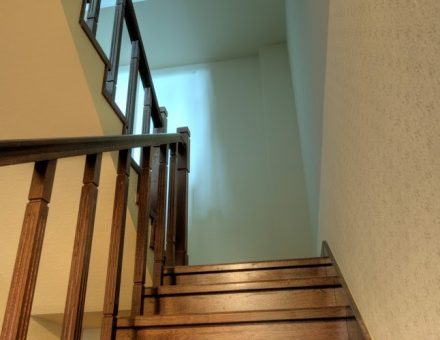 Moving Into a Building With Many Stairs What to Do to Avoid Injury